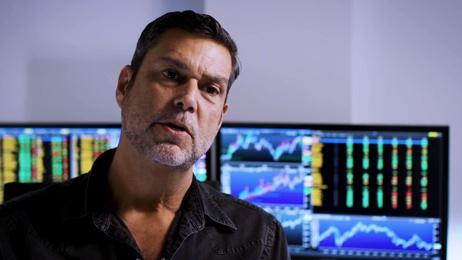 Инвестор Рауль Пал продает золото, чтобы вложить 98% активов в биткоин и Ethereum