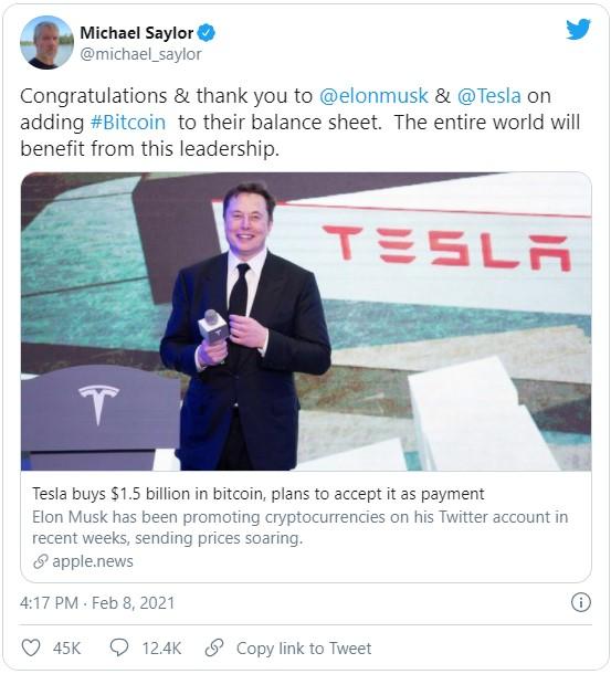 Глава MicroStrategy, а именно Майкл Сэйлор высказал благодарность за аккумулирования части активов Tesla в биткоине.