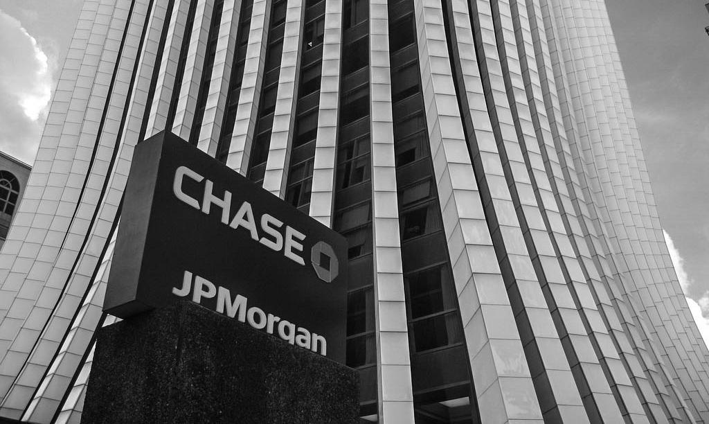 JPMorgan: Старшее поколение инвесторов покупает золото, более молодое – биткоин